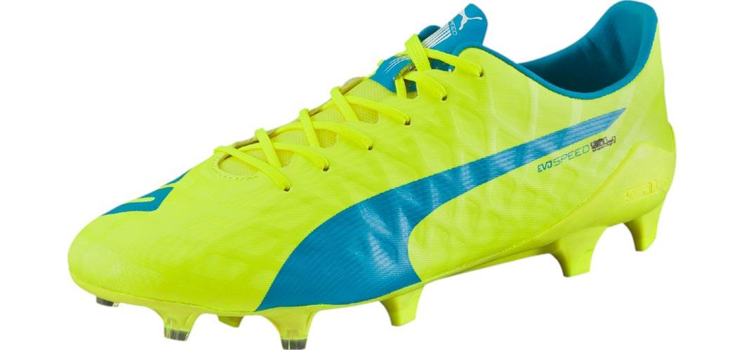 godasses chaussures de football puma