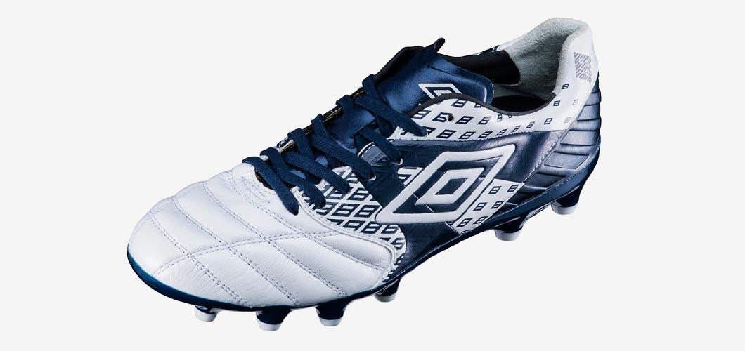 old umbro football boots